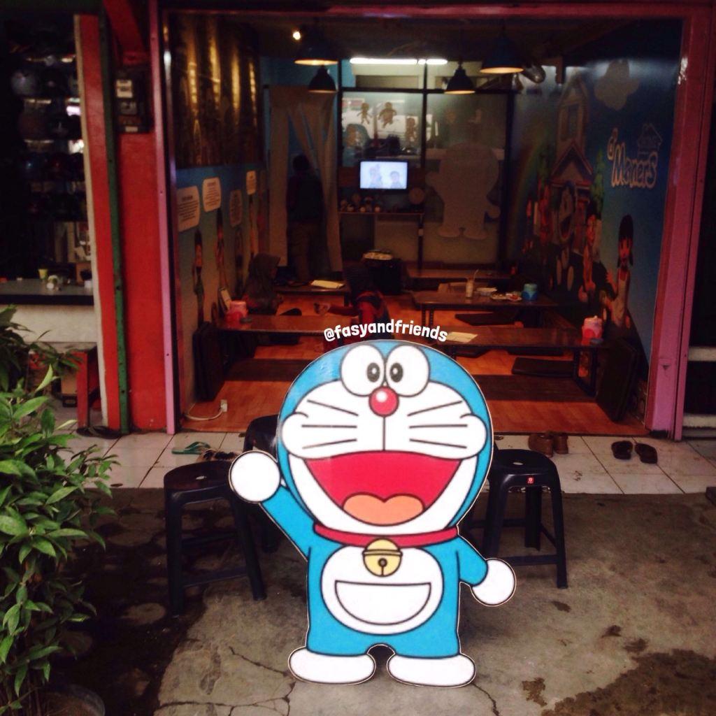 Sebelum masuk, disambut Doraemon!